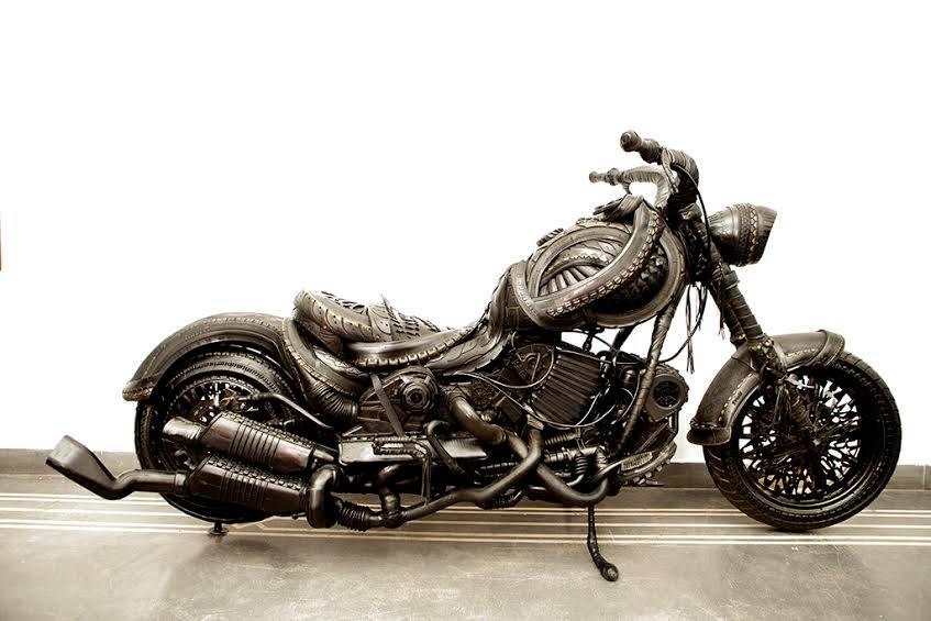 Lahcen Iwi Sculpture de pneus 2
